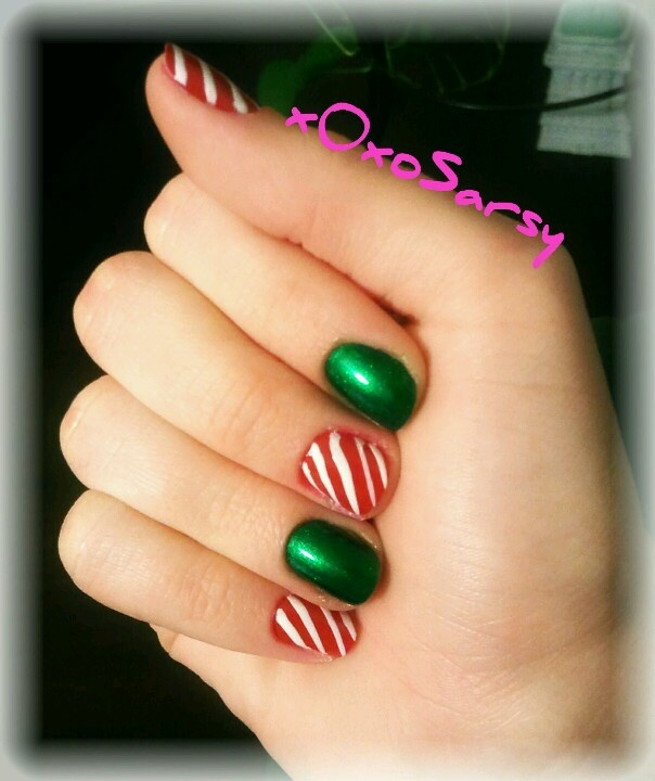 """Simple Christmas nail art on short nails (Sinful Colors Professional in """"San Francisco"""", and Rimmel Lasting Finish Pro in """"Stiletto Red"""" with Sinful Colors Nail Art in """"Bad Chick"""")"""