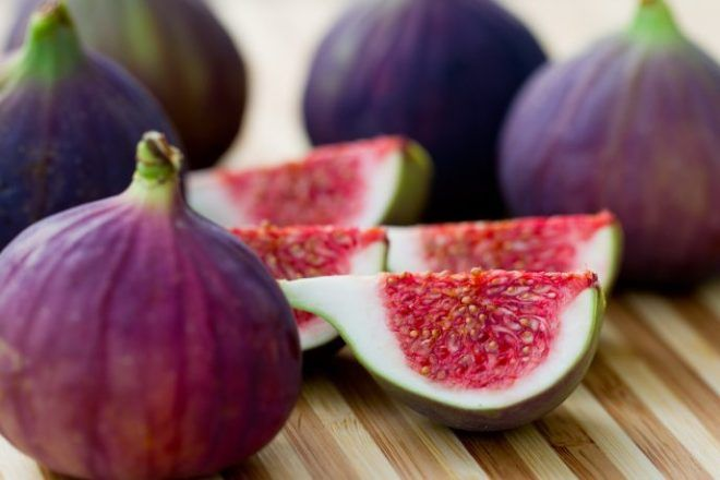 Fig Seed Oil And Its Amazing Skin Benefits Figs Benefits Health Benefits Of Figs Fresh Figs