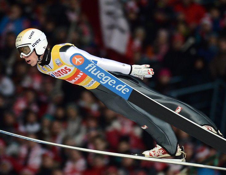 Skispringer Thomas Diethart: Vierschanzentournee-Sieger verletzt sich bei Sturz schwer - SPIEGEL ONLINE - Sport