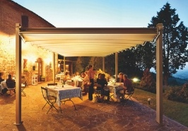 Pergole retractabile FLY restaurant seara,pergole pavilion. Gibus inseamna calitate fara compromis la un pret excelent.