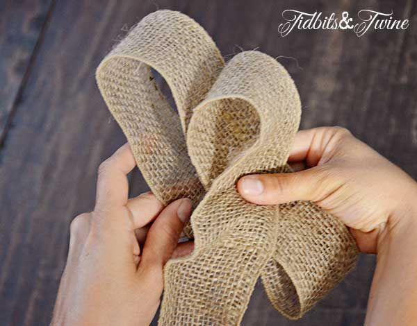 TidbitsTwine How to Make a Bow Step 5 DIY Inexpensive Fall Wreath and Fancy Bow