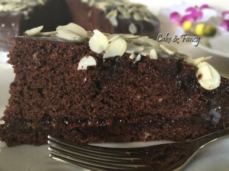 Torta golosa cacao mandorle - Ricette Blogger Riunite
