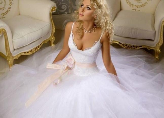 Самое большое свадебное платье - http://1svadebnoeplate.ru/samoe-bolshoe-svadebnoe-plate-3466/ #свадьба #платье #свадебноеплатье #торжество #невеста