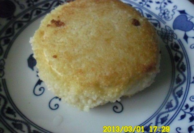 Camembert kuszkuszos panírban