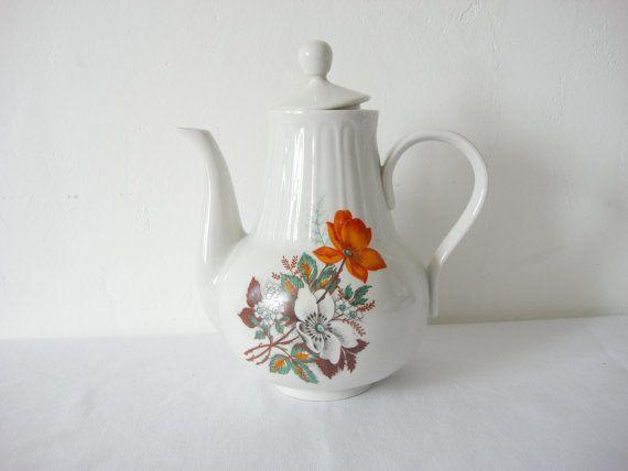 Large Soviet Vintage Porcelain Teapot Floral от OldMoscowGallery