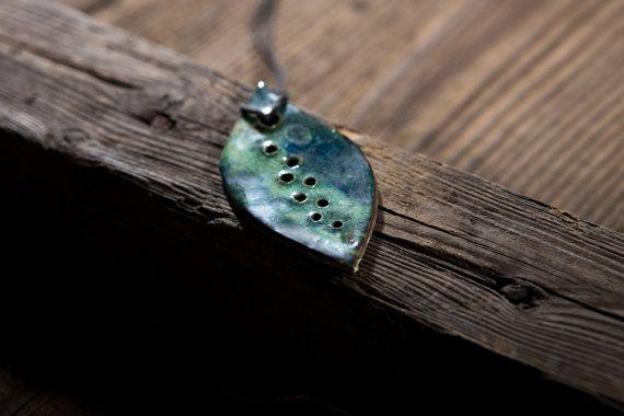 Green leaf. Ceramics pendant. Hand made. by SamoPL on Etsy
