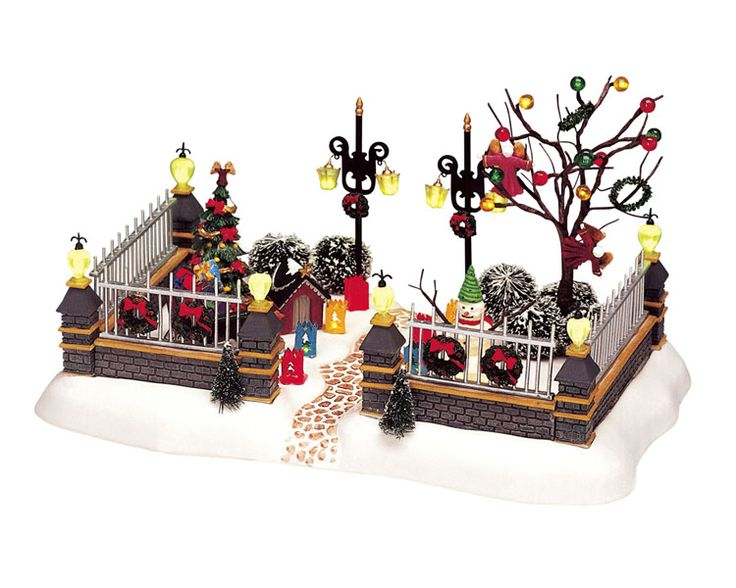 figurine village de noel Awesome Figurine Village De Noel #5: Lemax Trees U0026 Wreath Lot  figurine village de noel
