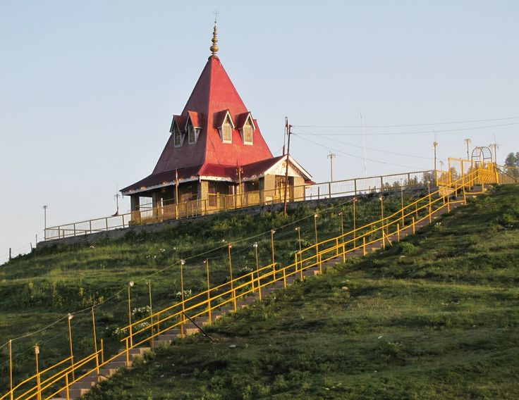 #MaharaniTemple, is a temple of Lord Shiva and goddess Parvati built by the Dogra dynasty's Queen.#KanchenjungaMuseum holds and present war and mountaineering equipment andgears of Indian Army.   https://holidaypackagesindia.quora.com/Exotic-Kashmir-Exploring-In-Summers