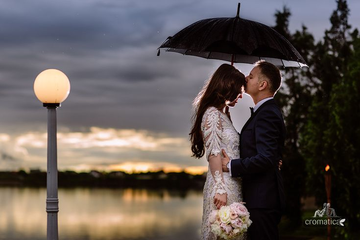 rainy sunset wedding photo session