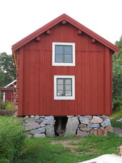 Ett gammalt timmerhus: Grundläggning och murbekymmer