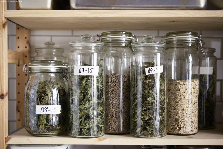 Folosești mai des lucrurile aflate la îndemână. Borcanele VARDAGEN te ajută să vezi repede condimentele de care ai nevoie.