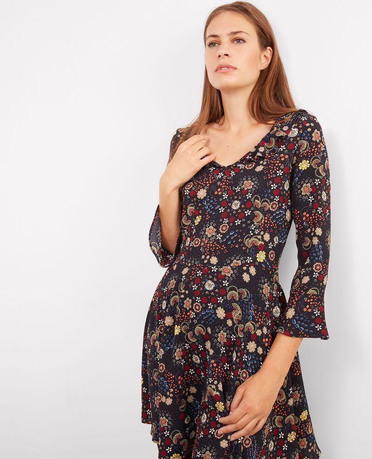 Gemustertes langärmeliges Kleid