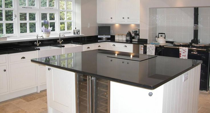 Located in Melbourne, Mondo Stone and Glass Works specialise in the supply and installation of glass splashbacks for kitchens, bathrooms, laundries and outdoor alfresco areas. #GlassSplashbacksMelbourne