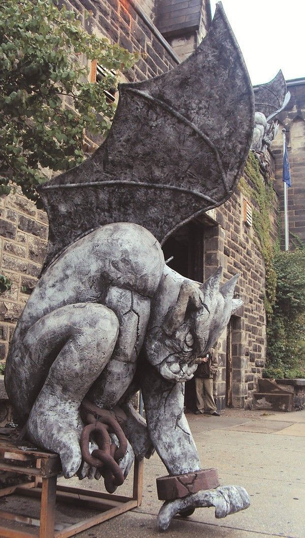 The History of Gargoyles & Grotesques (Facts, Information ...