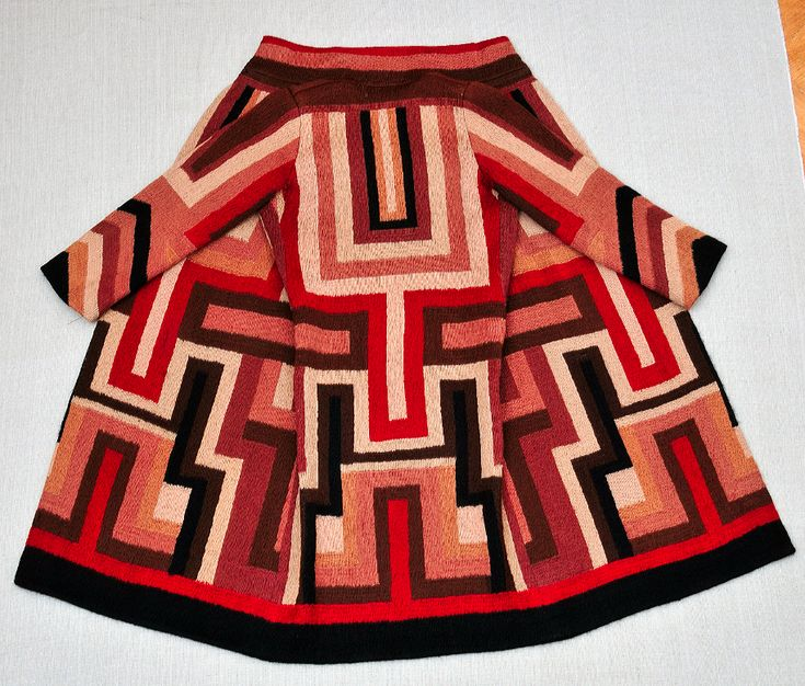 Sonia Delaunay - Coat made for Gloria Swanson 1923 - Wool embroidery on wool.