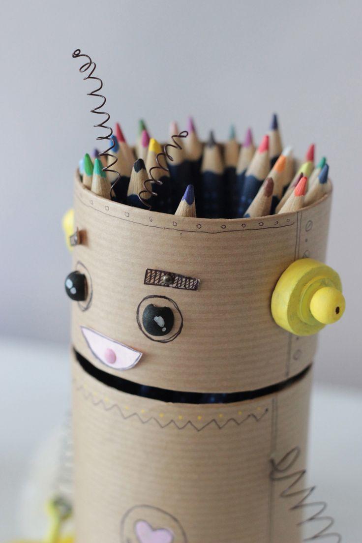Créer un robot pot à crayon recyclé | Idée Créative
