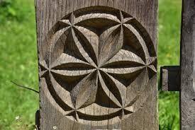 Image result for porti maramuresene din lemn