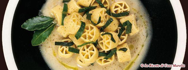 Pasta Marella Ricetta - RUOTE CON PUREA DI FAGIOLI CANNELLINI