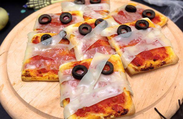 Spaventose pizzette margherita.