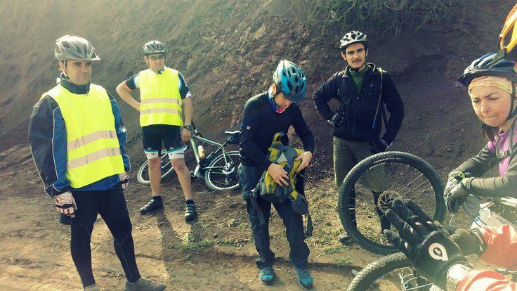 El primer pinchazo de la ruta #pedaleoalbosque