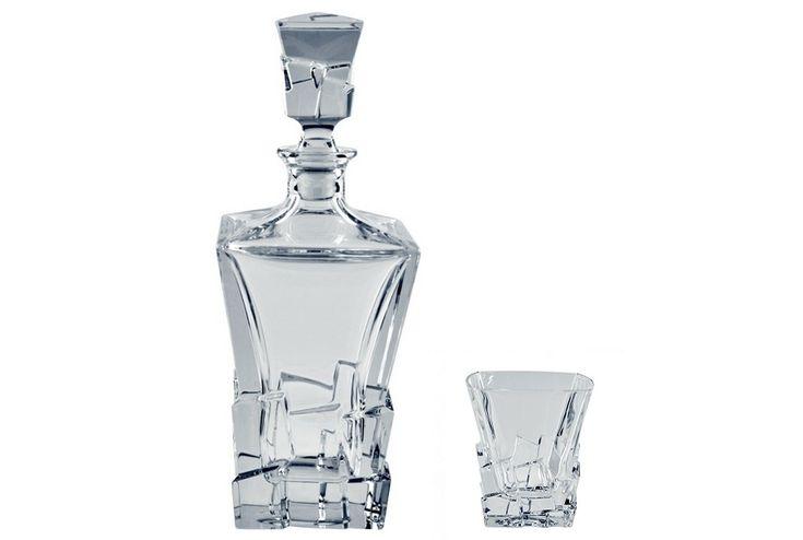 Vizualizeaza toate produsele din gama HAVANA !  - Setul contine 6 pahare whisky cristal si o sticladin colectiaHAVANA  - capacitate pahare: 310 ml  - capacitate sticla: 900 ml  - cristal 24% PbO  Producator:Crystal Bohemia, a.s.  Atentie: Suntem o firma neplatitoare de TVA. Preturile sunt Finale afisate in LEI.