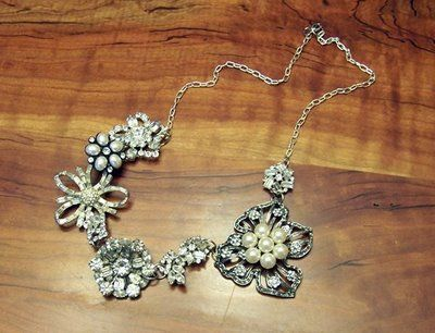 How to make a brooch necklace. Good to know for when I do this.