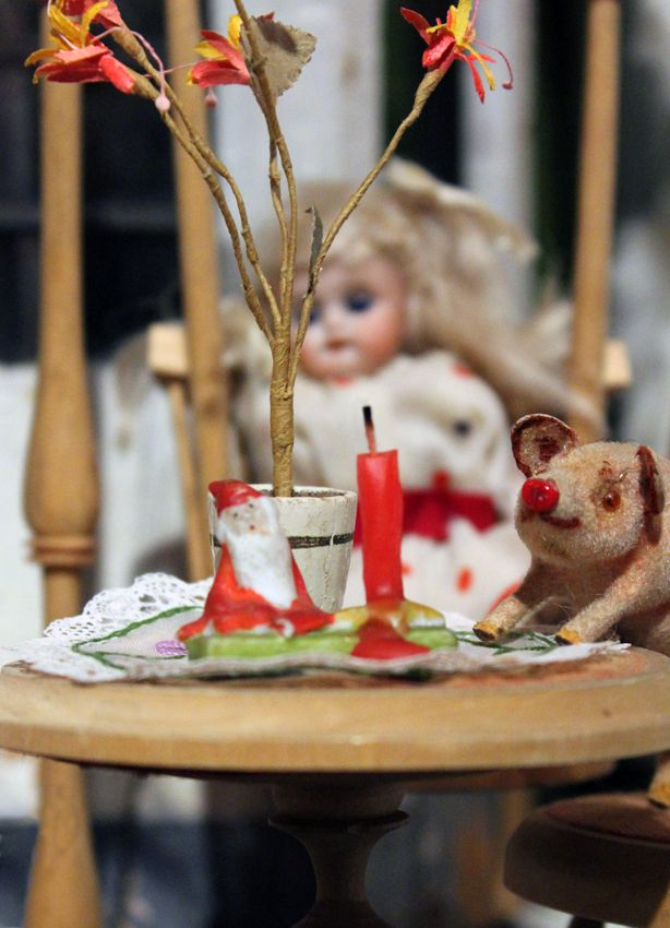 Christmas time and happy pigs in Suomenlinna Toy Museum Helsinki