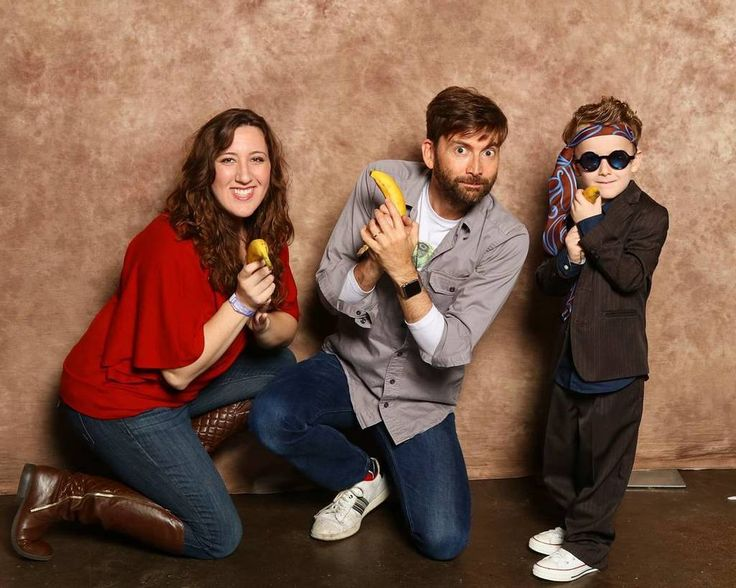 PHOTOS: David Tennant Meets His Fans At MegaCon Tampa Bay - Part 3   David Tennant was a guest at MegaCon Tampa Bay at the weekend where he took part in an number of photo ops alongside his f...