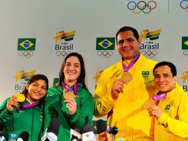 O judô brasileiro encerrou a participação na Olimpíada de 2012 com quatro medalhas, sendo um ouro (Sarah Menezes, até 48 kg) e três bronzes (Felipe Kitadai, até 60 kg; Mayra Aguiar, até 78kg; Rafael Silva, mais de 100 kg). Para o coordenador da modalidade do Brasil em Londres, Ney Wilson, o resultado foi o esperado, mesmo com resultados abaixo do esperado de nomes como Leandro Guilheiro (até 81 kg) e Luciano Corrêa (até 100 kg), sem medalhas  Foto: Edson Lopes Jr./Terra