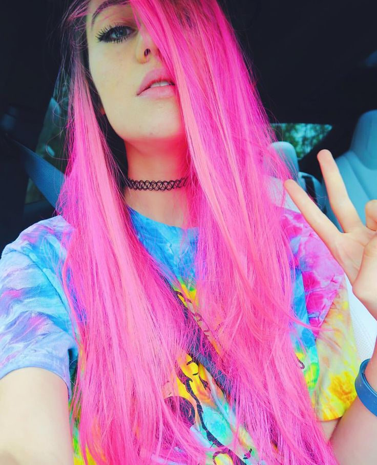 oh and.... LOOK AT MY HAIR I LOOK LIKE MICHAEL CLIFFORD OR PRINCESS BUBBLEGUM I LOVE THIS SO MUCH!! -jessie