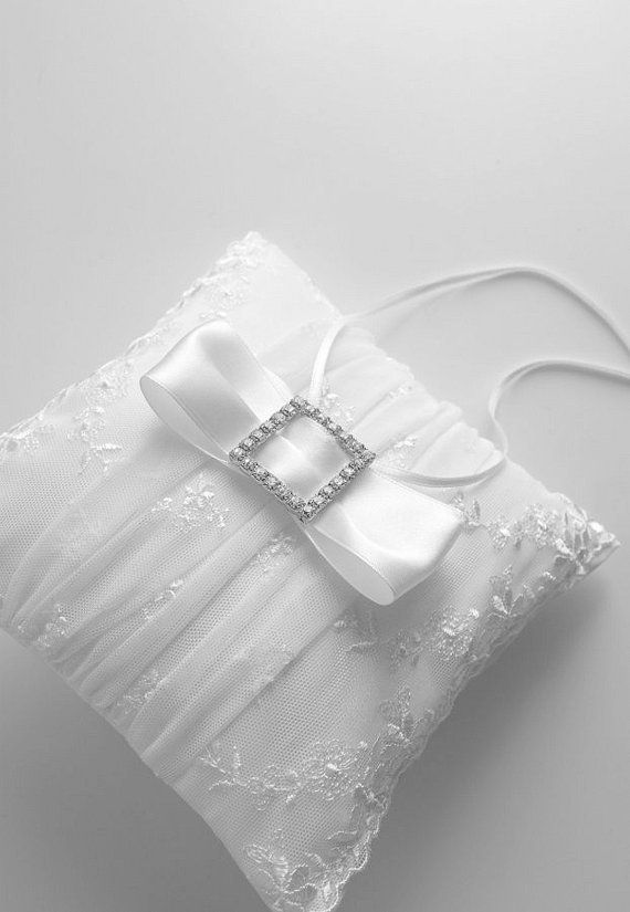 snow white wedding ring pillow lace wedding ring pillow snow white wedding ring bearer & 15 best Wedding Ring Bearer Pillows ETSY images on Pinterest ... pillowsntoast.com