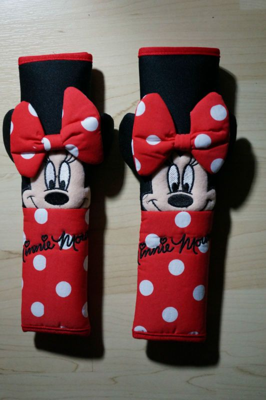 disney minnie mouse car seat belt cover 1 pair car accessory red white polka seat belts. Black Bedroom Furniture Sets. Home Design Ideas