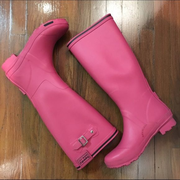 Superdry rain red boots 9 These are all weather rainy SUPERDRY Boots from Japan.   Knee high , all rubber, all weather or rain season rugged boots.   Size 9 , all red.  Good preowned condition. Some wear on soles. Check out pics Superdry Shoes Winter & Rain Boots