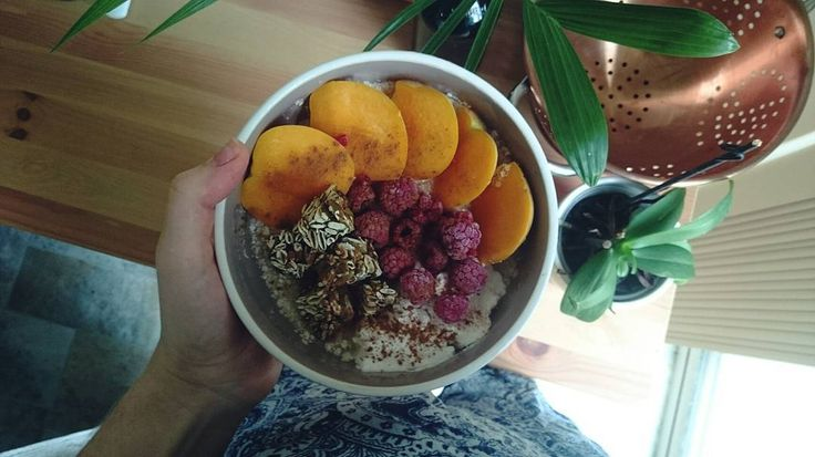 // Made myself some gluten free overnight bircher using quinoa flakes and coconut water. It's so creamy and delicious topped with fresh peaches coconut yoghurt berries seed clusters and cinnamon. Happy Monday beauties // . . . . . . #liveauthentic #livefolk #morninglight #morningslikethese #livewell #livethelifeyoulove #livethelittlethings #nothingisordinary #thatsdarling #mondays #plantbasedbreakfast #cleaneats #clean #wholefoodsdiet #nourished #glutenfreerecipe #glutenfree #glutenfreelife…