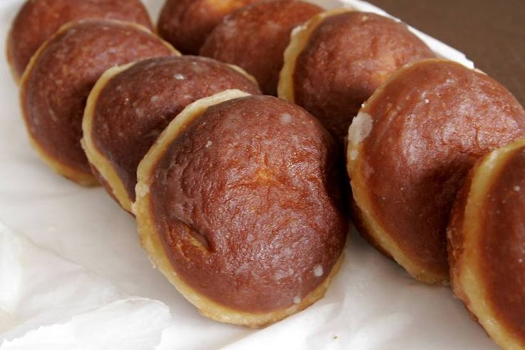 Pączki are types of Polish donuts