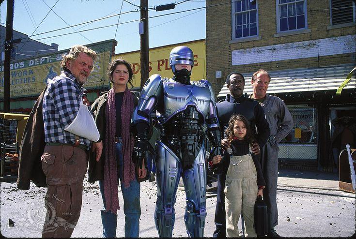 Jill Hennessy, Stanley Anderson, Robert John Burke, Robert DoQui, Remy Ryan, and Daniel von Bargen in RoboCop 3 (1993)
