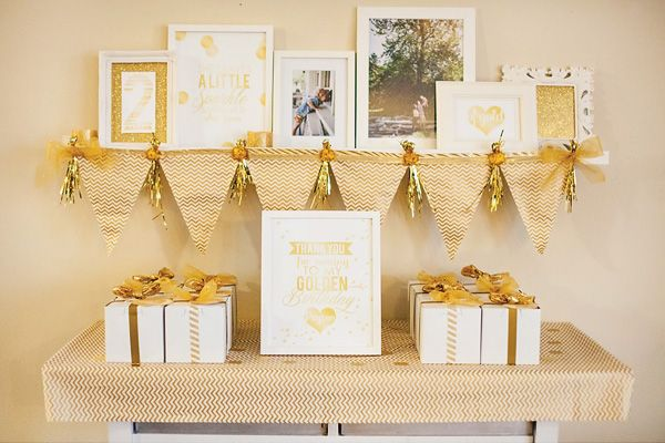 Sparkly Golden Birthday {Geometric + Glitter + Gold} // Hostess with the Mostess®