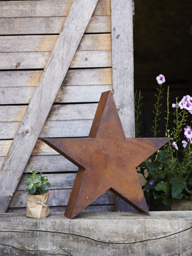 Our Rusty Star sits beautifully in any autumnal garden. With a tarnished copper finish, this weighty three dimensional star is right on trend. With a sandblasted finish, the Rusty Star will continue to rust if left outdoors, enhancing its appearance further.