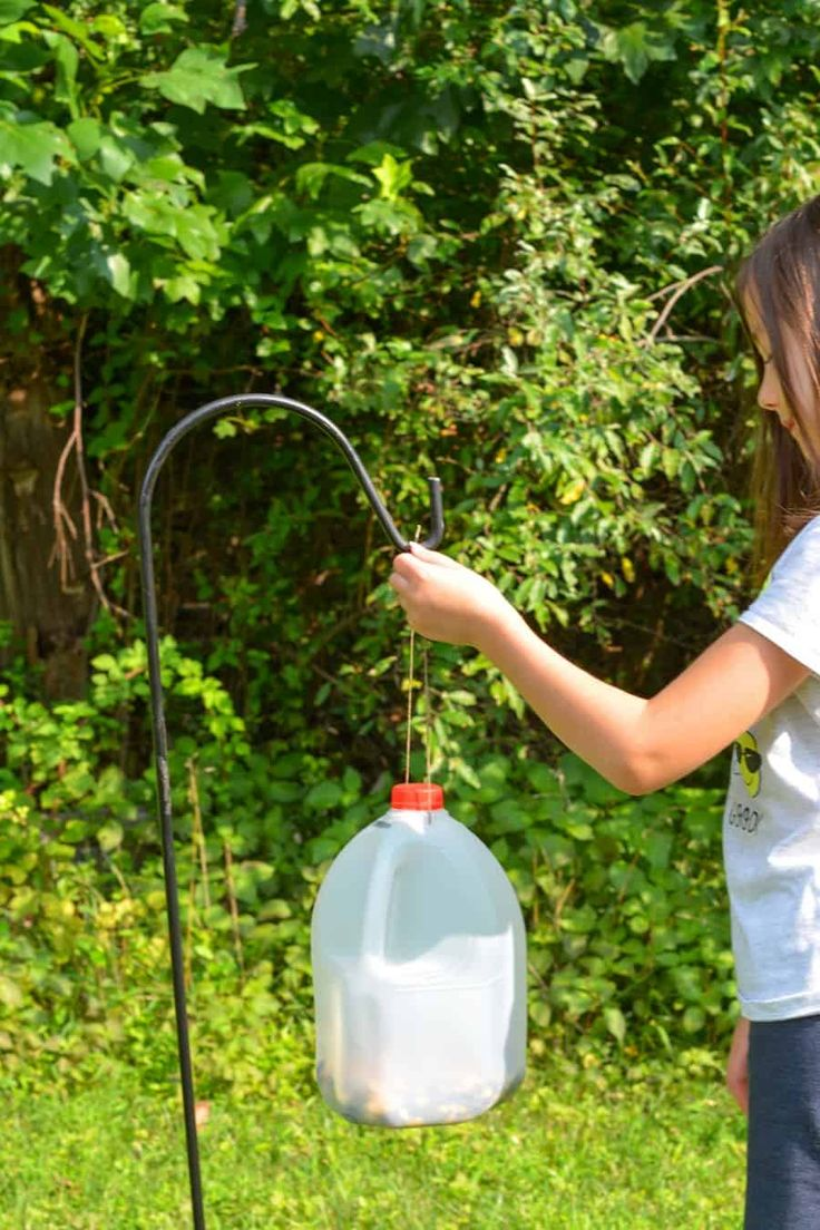 Easy to make bird and squirrel feeders thrifty nifty