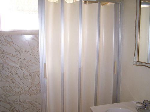 folding shower doors