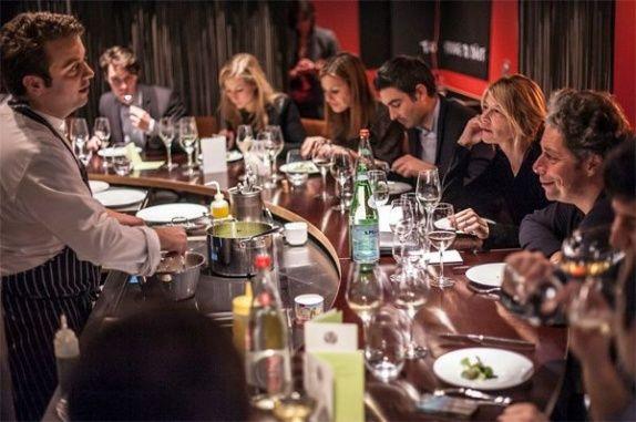 Table Ronde à Paris | Réservez cette offre sur GoReception