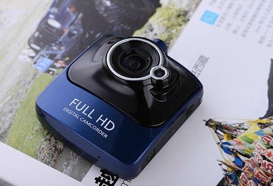 DESCRIPTIONCaméra Haute définition grand angle, très compacte elle vous permettera de filmer en Haute Définition chaques instants. COULEURBleu, champagne RESOLUTION1080P 12M pixels SORTIEHDMI VISION NOCTURNEOui ANGLE=170° F1.9 Autofocus TAILLE ECRAN2,4 Pouces DETECTION DE MOUVEMENTSOui G-SENSOROui ALIMENTATIONMicro USB STOCKAGEMicro SD 32Go ACCESSOIRESsupport ventouse, câble USB, chargeur allume cigare, mode d'emploi en français