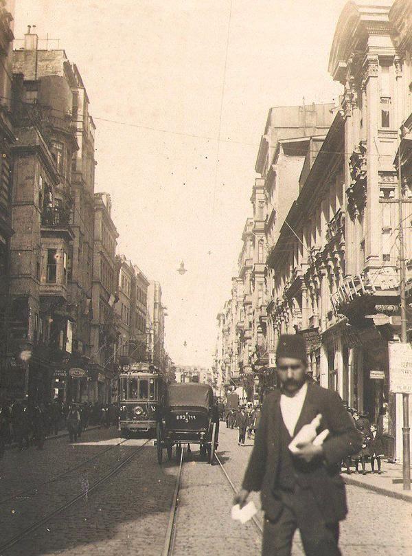 İstiklal Caddesi (1920'li yıllar