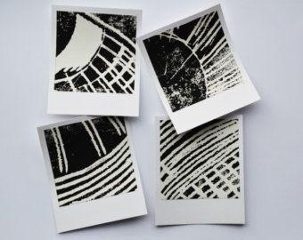 Gravures originales, signées, techniques mixtes au format polaroïd. Séries de 4. Original engravings, signed, mixed media, polaroïd shape. Series of 4.