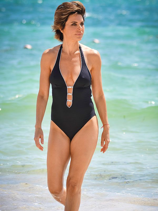 RHOBH's Lisa Rinna: I'm a 'Dirty Vegan' http://greatideas.people.com/2014/11/06/lisa-rinna-vegan-diet-workout/?xid=socialflow_twitter_greatideas