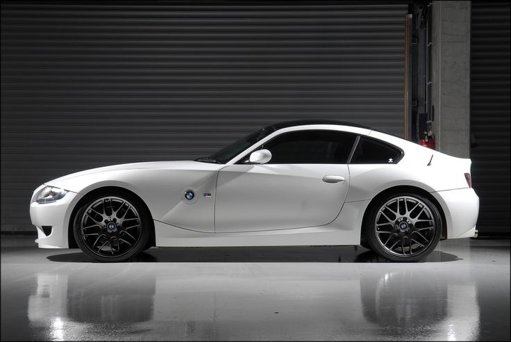 "Sixspeed's ""money shot"" Alpine White M Coupe"