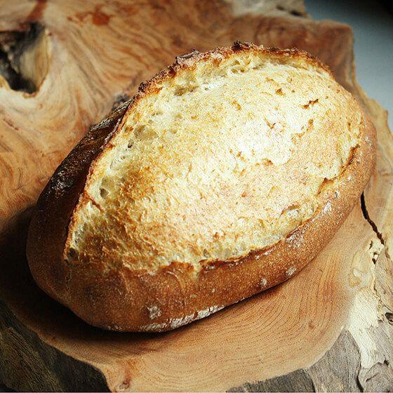 【基本の田舎パン】の材料は、富澤商店オンラインショップ(通販)、直営店舗でご購入いただけます。また、無料のレシピも多数ご用意。確かな品質と安心価格で料理の楽しさをお届けします。