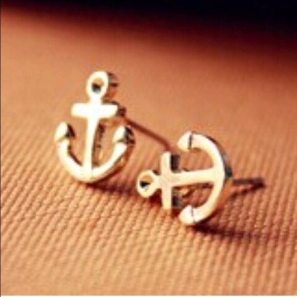Gold tone anchor earrings Super cute earrings $5.00 a pair! Ask me about bundle deals!  NO TRADES and PRICE IS FIRM unless bundling!! Happy Poshing ❤️ Jewelry Earrings