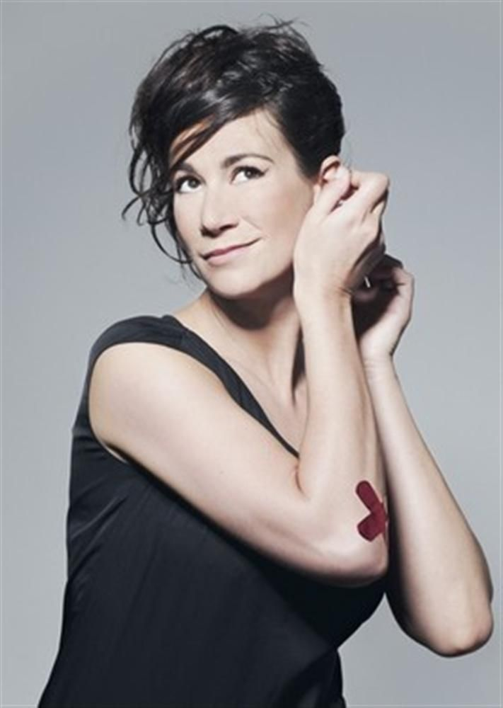 Virginie Hocq- Fiche Artiste  - Artiste interprète - AgencesArtistiques.com : la plateforme des agences artistiques