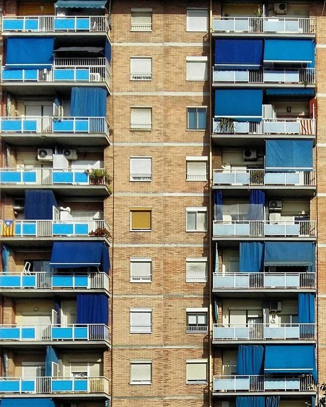 Binaların Kapı ve Pencereleriyle Simetrik Fotoğraflar Çeken Sanatçıdan 30+ Çalışma Sanatlı Bi Blog 40